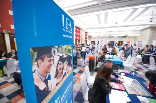 Ngày hội du học quốc tế 2018 sẽ là cơ hội tốt để bạn tìm hiểu về chương trình học ở các nước khác.