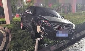 Người hâm mộ bóng đá Trung Quốc đau tim, đâm xe vì World Cup