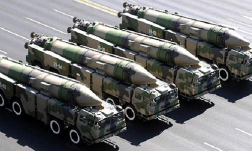 Tên lửa đạn đạo tầm trungDF-21D có khả năng mang đầu đạn hạt nhâncủa Trung Quốc. Ảnh:Defense News.