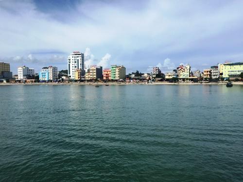 Huyện đảo Cô Tô là một trong những điểm du lịch nổi tiếng của Quảng Ninh. Ảnh: Bình Minh