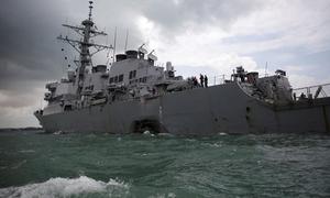 Chủ tàu dầu đâm chiến hạm Mỹ nộp đơn kiện để không bồi thường
