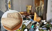 Tại sao công nhân vệ sinh không thu gom ghế nệm cũ?