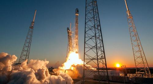 Vệ tinh quân sự Mỹ được phóng lên không gian năm 2016. Ảnh: Space X.