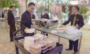 Đồ ăn đám cưới thừa tận dụng cho người nghèo Indonesia