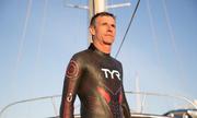 Bộ đồ giúp vận động viên Pháp bơi xuyên Thái Bình Dương