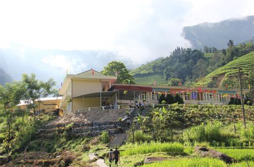 Nhà nội trú tại Trường Phổ thông dân tộc bán trú Tiểu học & Trung học cơ sở Sín Chải (Vị Xuyên, Hà Giang).