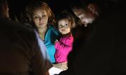 Cuộc sống trong lồng sắt của trẻ em nhập cư tại biên giới Mỹ
