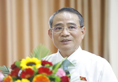 Bí thư Thành ủy Trương Quang Nghĩa ghi nhận các ý kiến của cử tri. Ảnh: Nguyễn Đông.