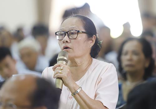 Cử tri Tám lo ngại vụ án Vũ nhôm bị chìm xuồng. Ảnh: Nguyễn Đông.