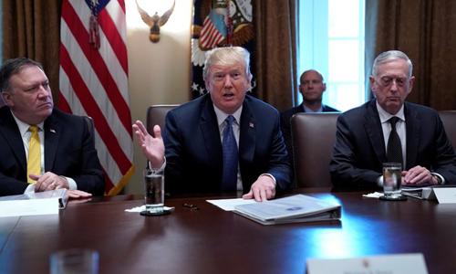 Tổng thống Mỹ Donald Trump phát biểu trong cuộc họp với Nội các hôm qua tại Nhà Trắng. Ảnh: Reuters.