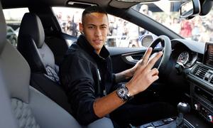 Bộ sưu tập xe trị giá 1,3 triệu USD của Neymar