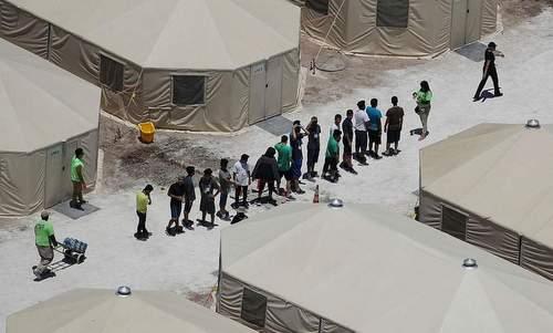 Một trại tạm trú cho trẻ em nhập cư được Mỹ thành lập đầu tháng 6. Ảnh: AFP.