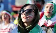 Phụ nữ Iran lần đầu trong gần 40 năm được vào sân vận động xem World Cup
