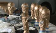 Băng đảng Argentina giấu ma túy trong bản sao cúp vàng World Cup