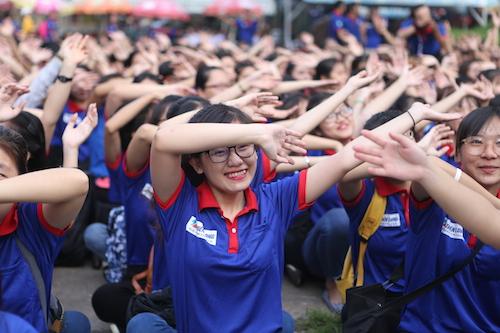 Chương trình Tiếp sức mùa thi tạo nhiều ấn tượng tốt đẹp với nhiều thế hệ thí sinh và người nhà suốt 17 năm qua.