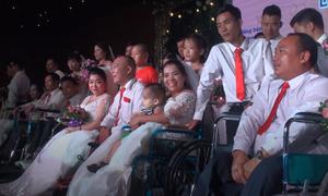 Đám cưới tập thể của 41 cặp đôi khuyết tật ở Hà Nội