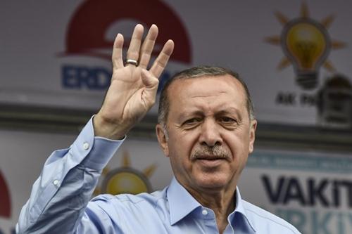 Tổng thống Erdogan tại Istanbul ngày 23/6. Ảnh: AFP.