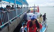 5.000 du khách mắc kẹt tại đảo Cô Tô