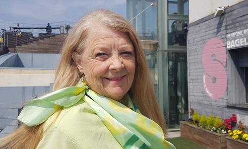 Bà Ruth Hebert tại thành phố Paju, Hàn Quốc, gần Khu Phi quân sự liên Triều, hồi tháng 4. Ảnh: CNN.