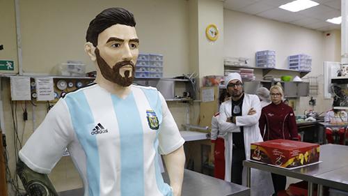 Bức tượng Messi làm từ chocolate do cửa hàng Altufyevo ở thủ đô Moskva
