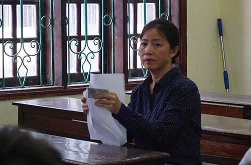 Bà Vân hoàn tất thủ tục dự thi chiều 24/6.