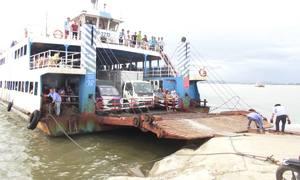 Nhiều lo ngại khi Hải Phòng cấm ôtô 29 chỗ ra đảo Cát Bà
