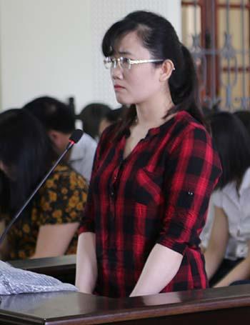 Nguyễn Thị Lam tại tòa sáng nay. Ảnh: Nguyễn Hải.
