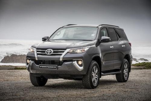 Toyota Fortuner 2018 dự kiến bán ra từ tháng 8, giá tăng so với trước đây.