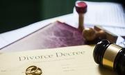 Làm sao để được ly hôn khi chồng không chịu đến tòa?