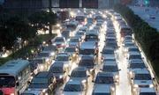 Cấm xe máy đồng thời thu phí thật cao ôtô vào trung tâm