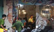 Thợ cắt tóc bị hai thanh niên xông vào tiệm đâm chết