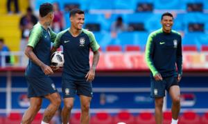 Brazil dùng đội hình chắp vá đấu với Serbia