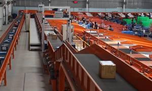 Hệ thống phân hàng tự động trong nhà kho 7.000 m2 ở TP HCM