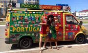 Cổ động viên Bồ Đào Nha lái xe 7.000 km đến Nga cổ vũ Ronaldo