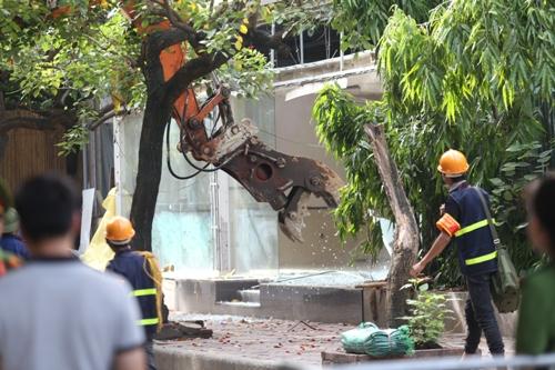 Các công trình không phép được quận Ba Đình tiến hành cưỡng chế trước. Ảnh: Gia Chính