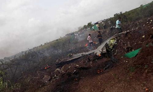 Hiện trường vụ rơi tiêm kích Su-30MKI Ấn Độ. Ảnh: Defense Blog.