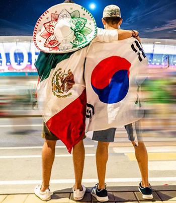 Người Mexico nghe Gangnam Style sau khi Hàn Quốc loại Đức khỏi World Cup