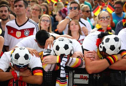 Người Đức bị sốc vì thảm bại của đội nhà tại World Cup