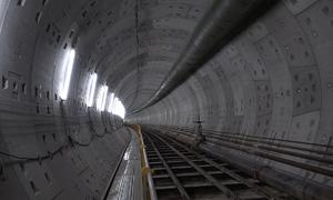 Robot khổng lồ khoan xong hệ thống đường hầm metro