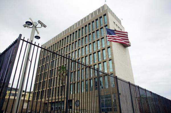 Đại sứ quán Mỹ tại Havana. Ảnh: Reuters.