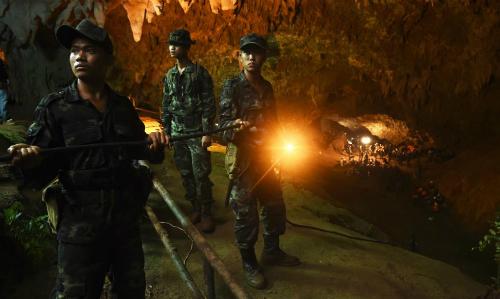 Lính Thái Lan tham gia cuộc tìm kiếm. Ảnh: AFP.