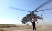 Cánh quạt trực thăng Azerbaijan quét sát đầu nữ phóng viên