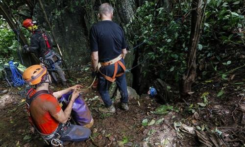 Lực lượng cứu hộ luyện tập sơ tán đội bóng Thái mắc kẹt trong hang