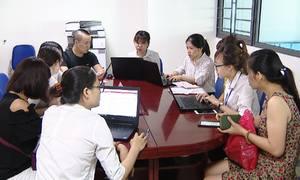 Ngày đầu tuyển sinh trực tuyến vào lớp 1 ở Hà Nội