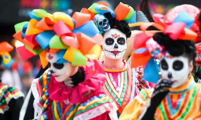 'Lễ hội người chết' của cổ động viên Mexico tại World Cup 2018