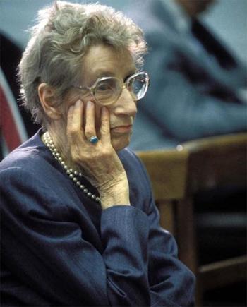 Bà Stella Liebeck.