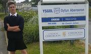 Nam sinh xứ Wales mặc váy đi học để giành bình đẳng giới