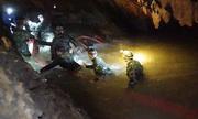 Đặc nhiệm Thái Lan mở đường vào khoang ngầm nơi đội bóng có thể mắc kẹt