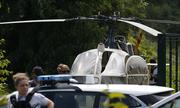 Khoảnh khắc trùm tội phạm Pháp ung dung vượt ngục bằng trực thăng