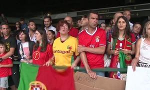 CĐV Bồ Đào Nha chào đón đội nhà về nước